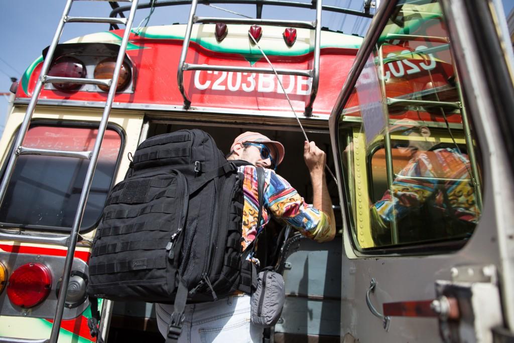 22-09.18 Thread Caravan by Karim Iliya- 1034